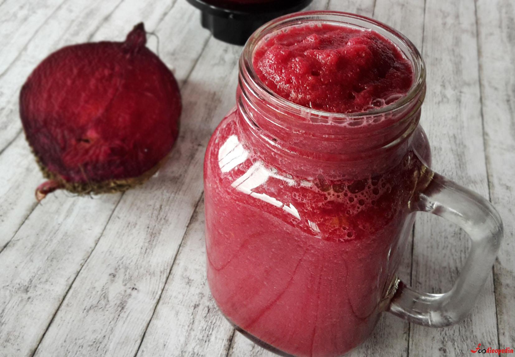 smoothie detoxifiant cu sfeclă roșie
