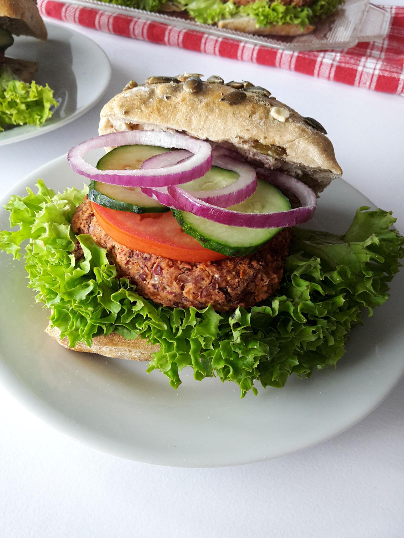 burgeri vegetarieni din fasole rosie 1