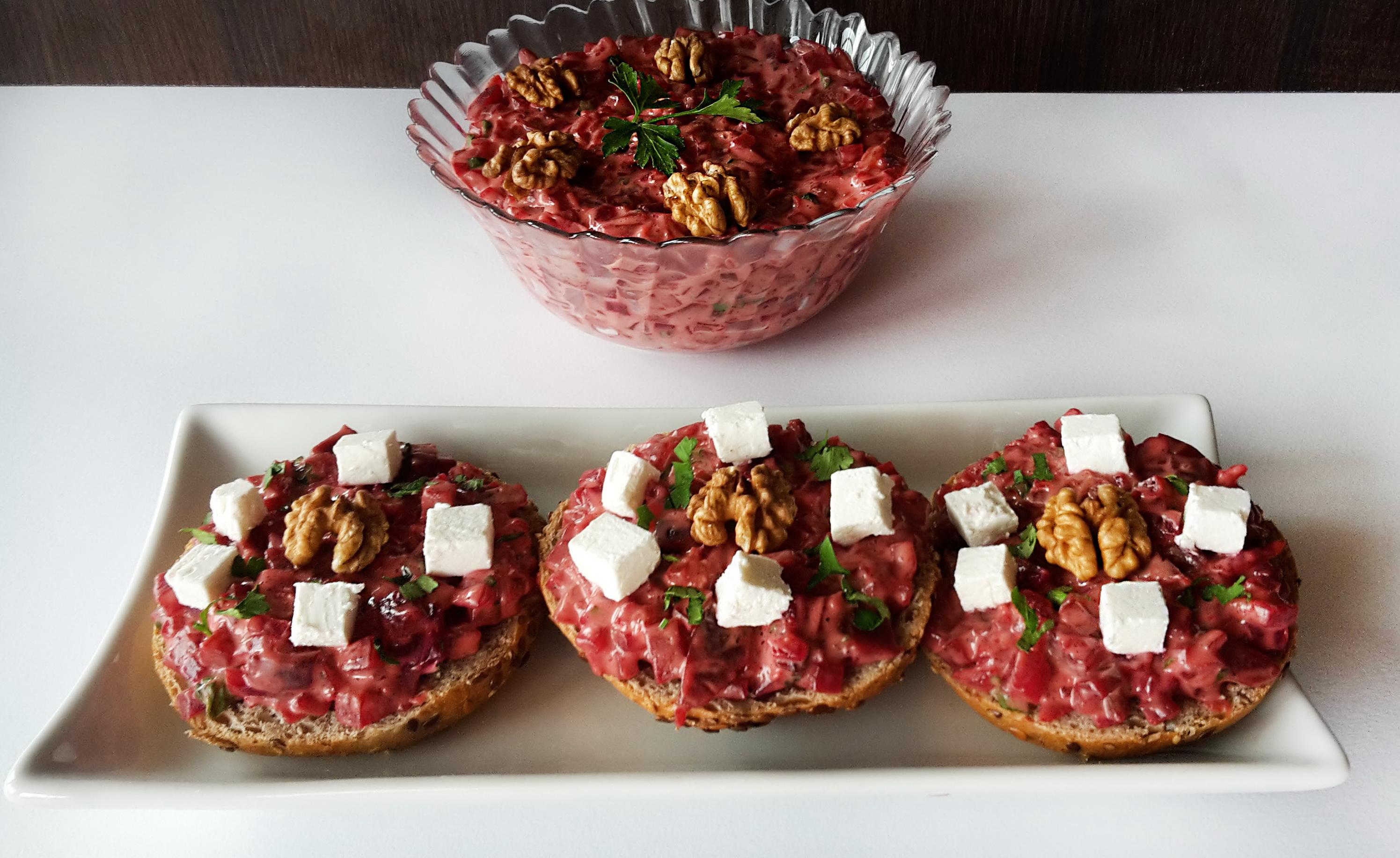 salata de sfecla rosie cu branza feta si nuca