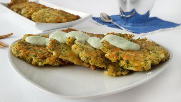 Clatite cu broccoli si sos de iaurt cu avocado
