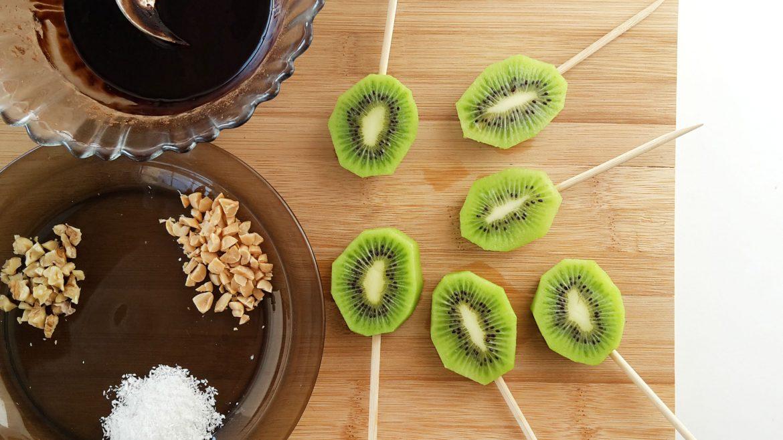 kiwi pops cu ciocolata falsa