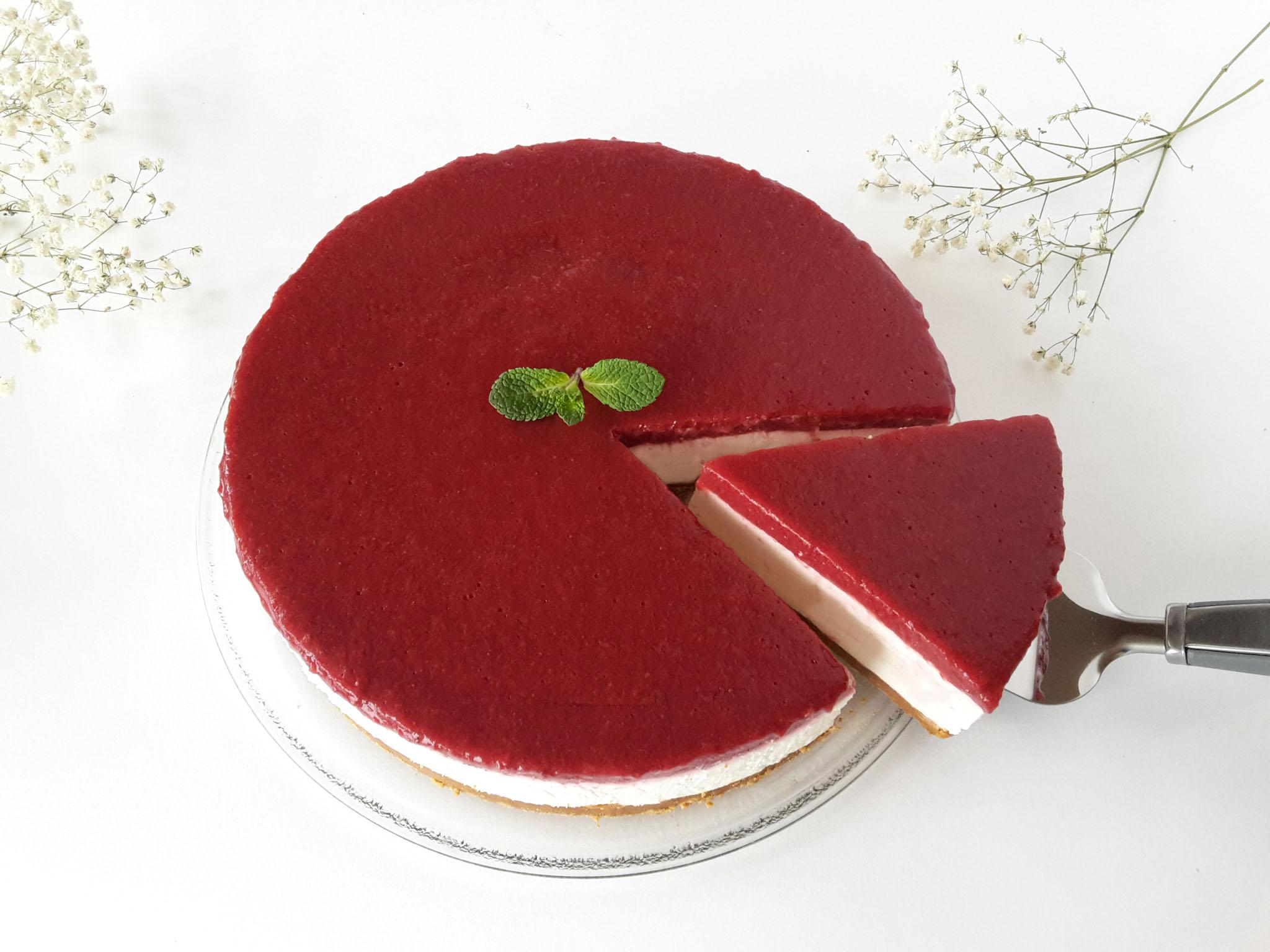 cheesecake cu capsuni fara coacere