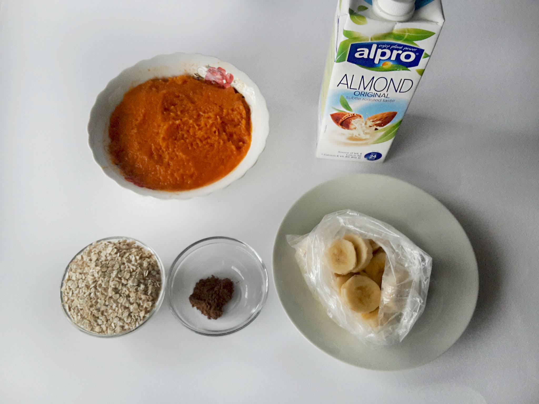 smoothie proteic cu dovleac si fulgi de ovaz