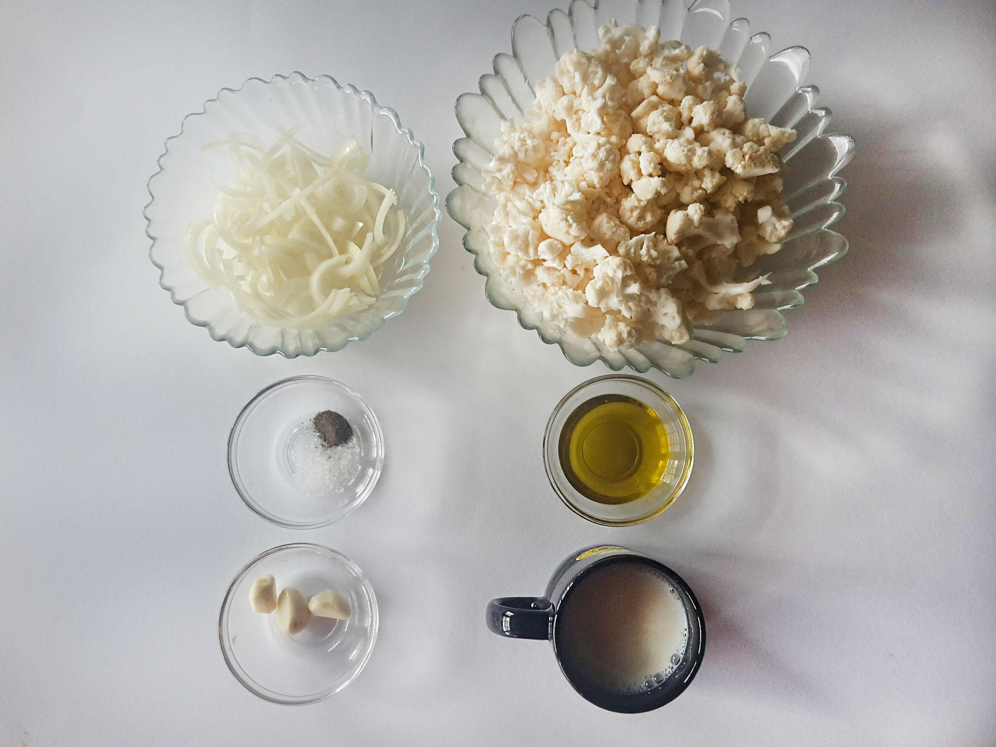 paste cu sos de conopida