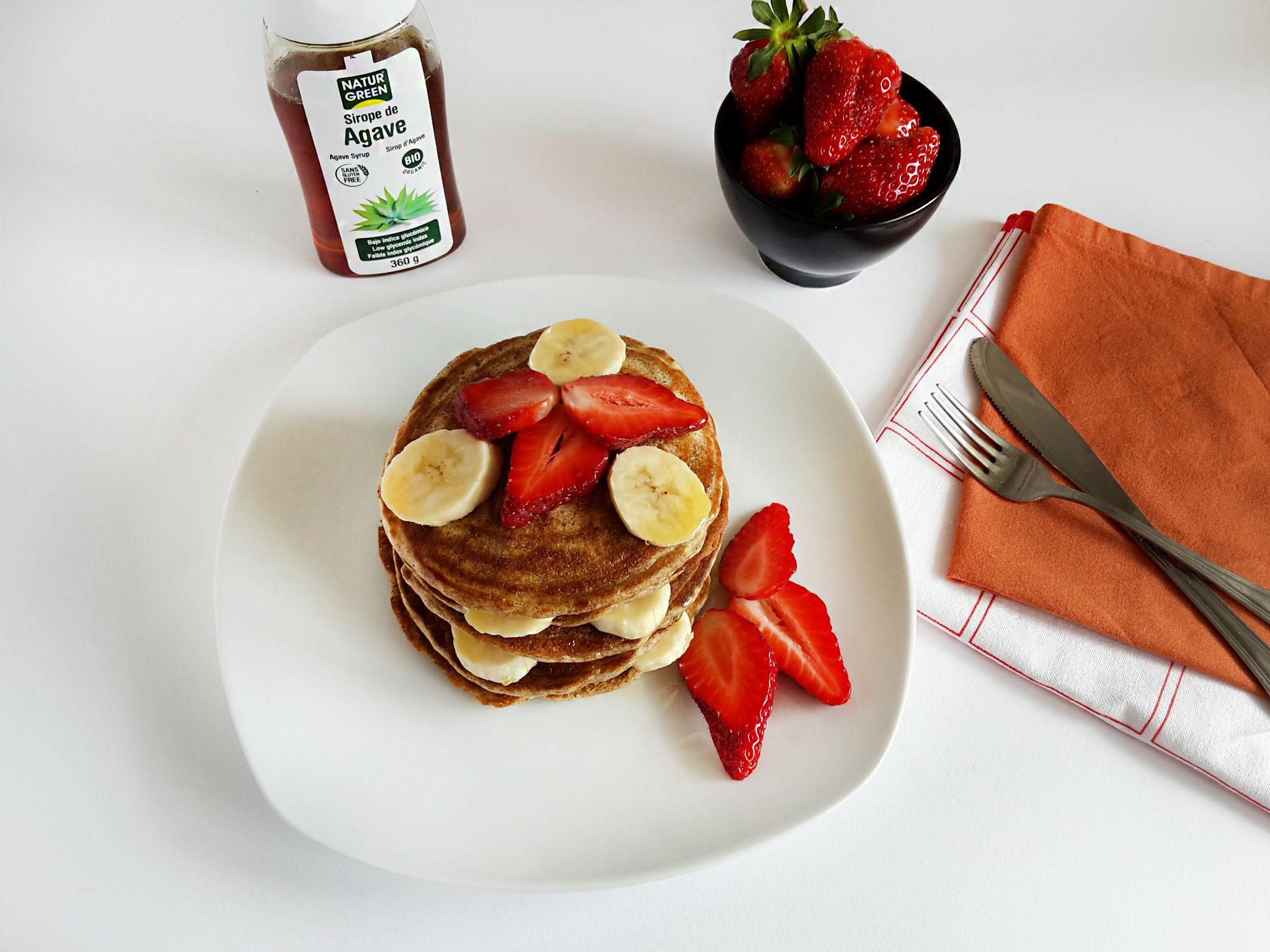 pancakes cu capsuni si banane 01
