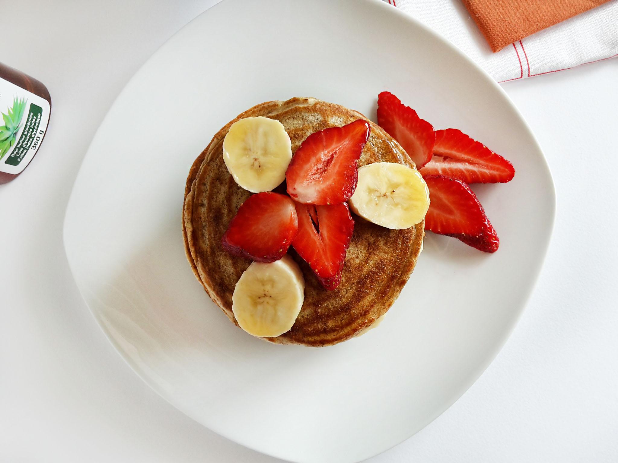 pancakes cu capsuni si banane 04