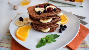 Protein pancakes with bananas and oats