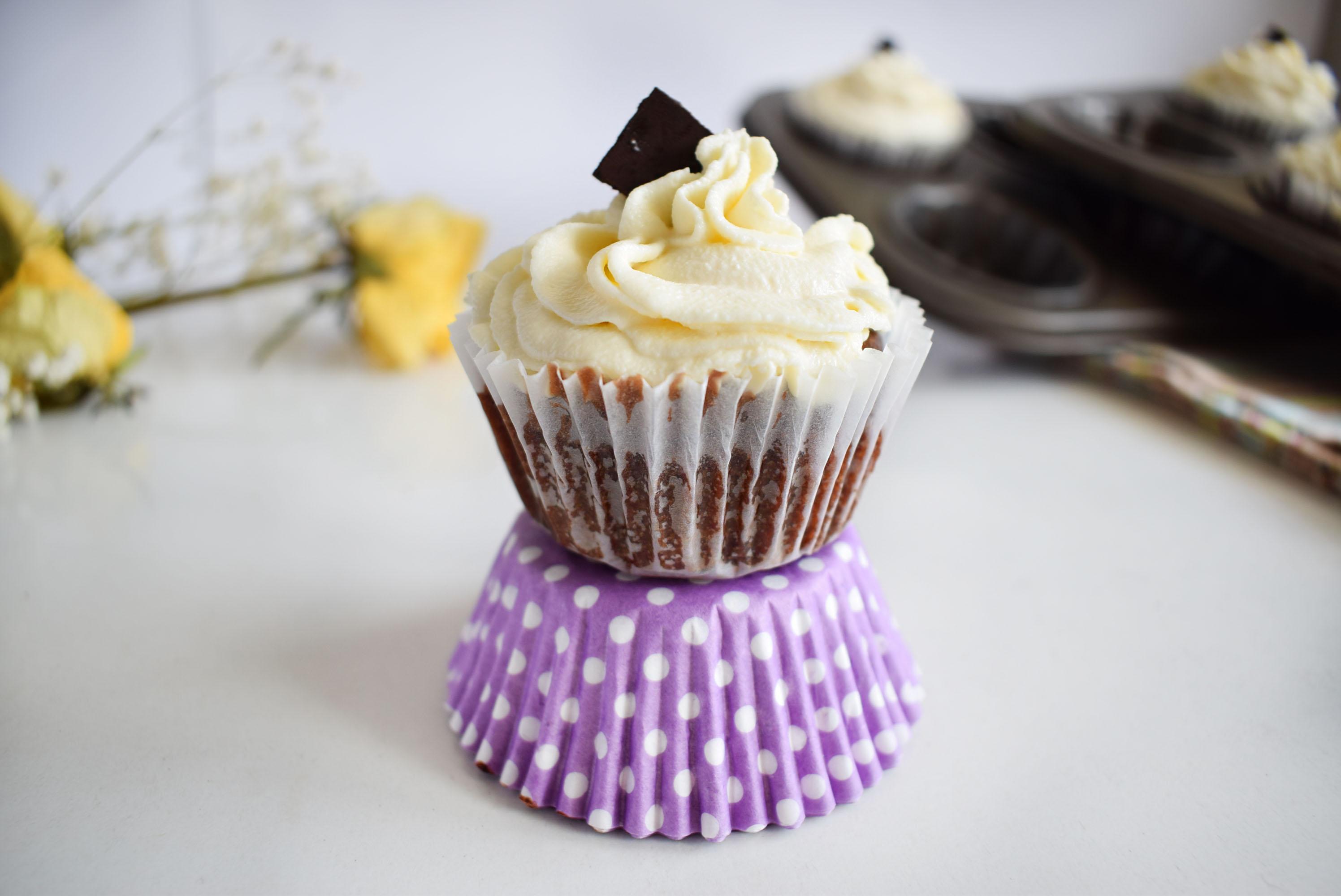 cupcakes cu ciocolata si cocos 5