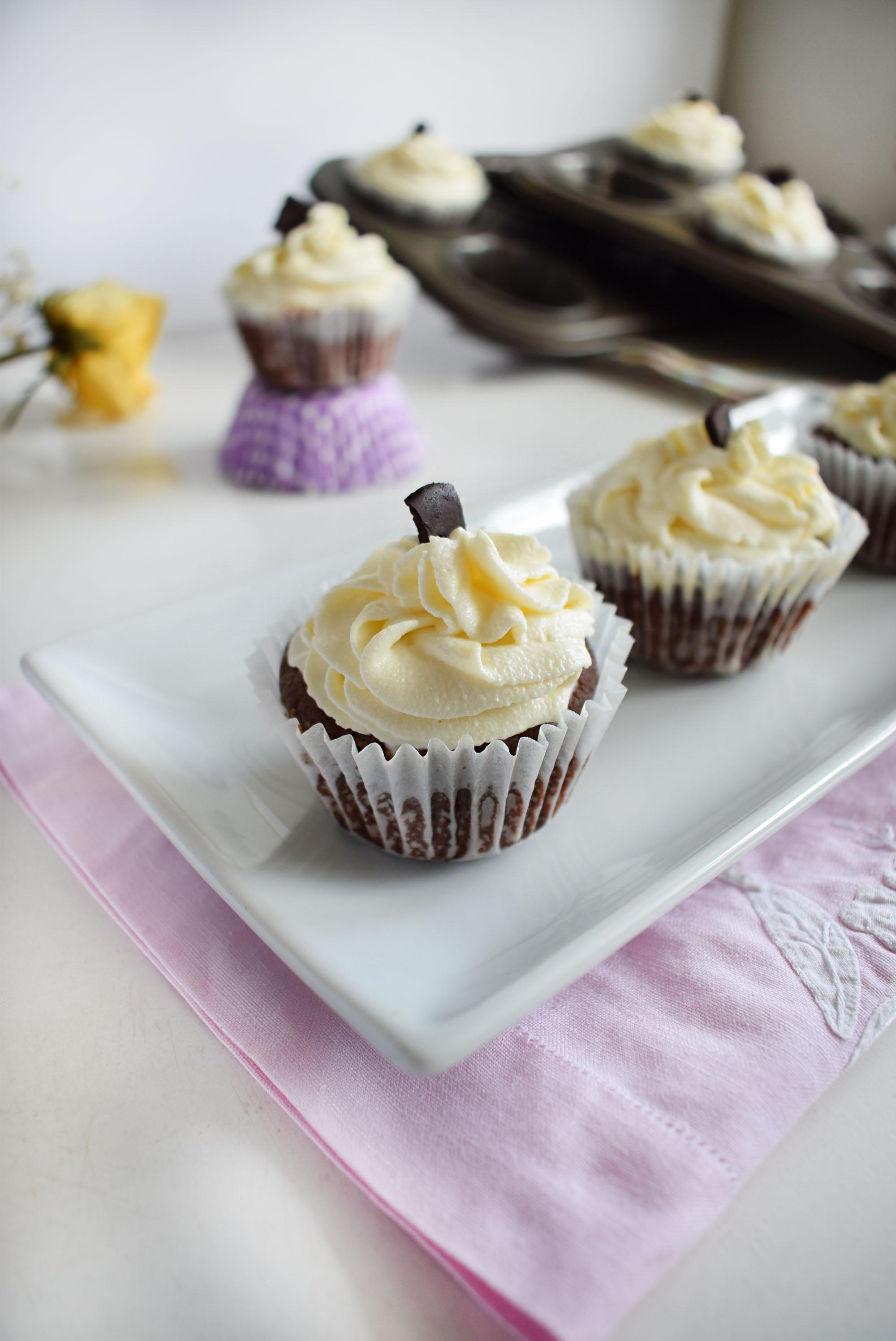 cupcakes cu ciocolata si cocos1