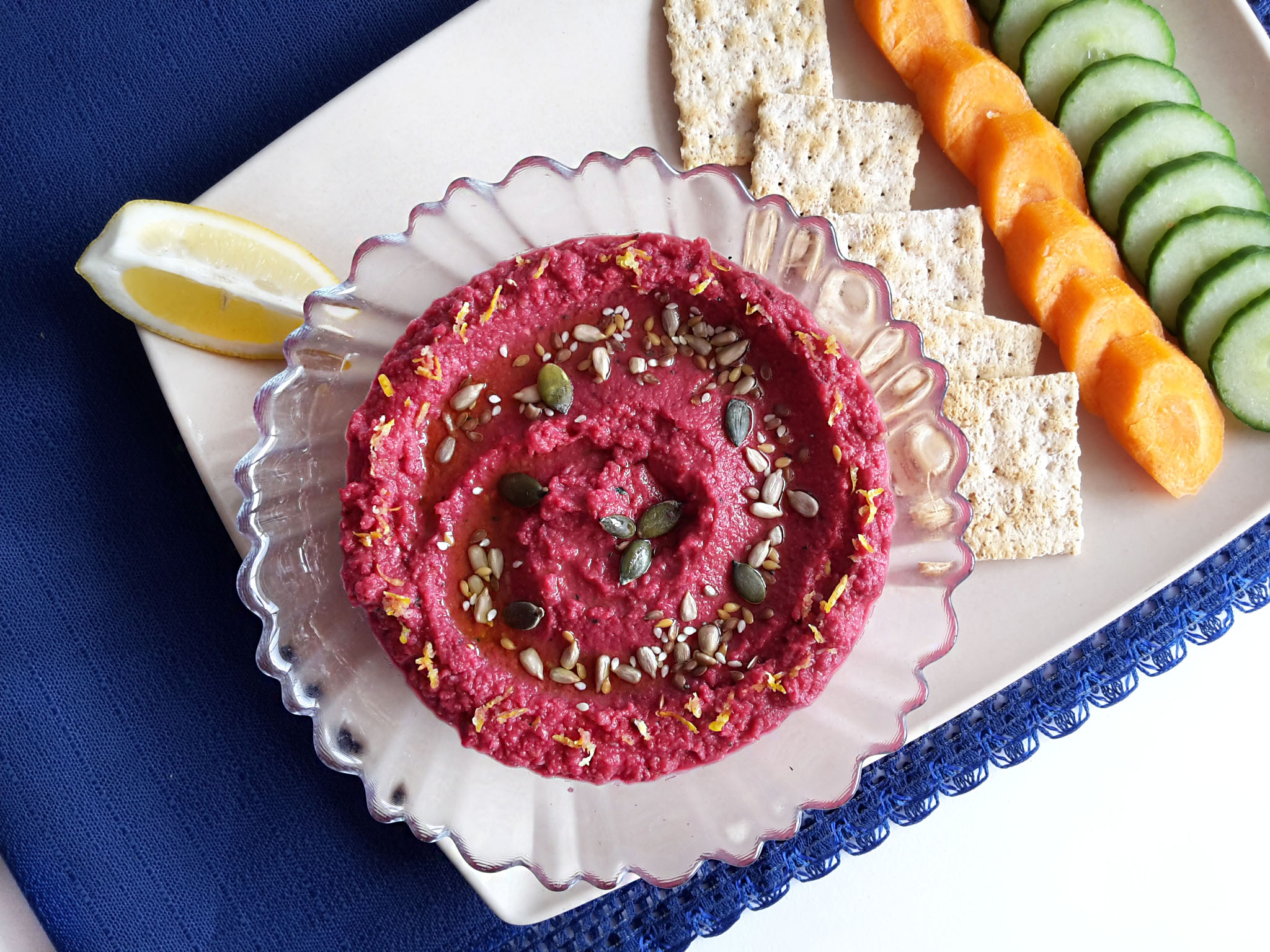 hummus cu sfeclă roșie