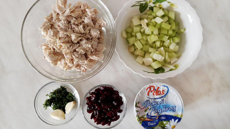 salata cu pui merisoare si apio 5