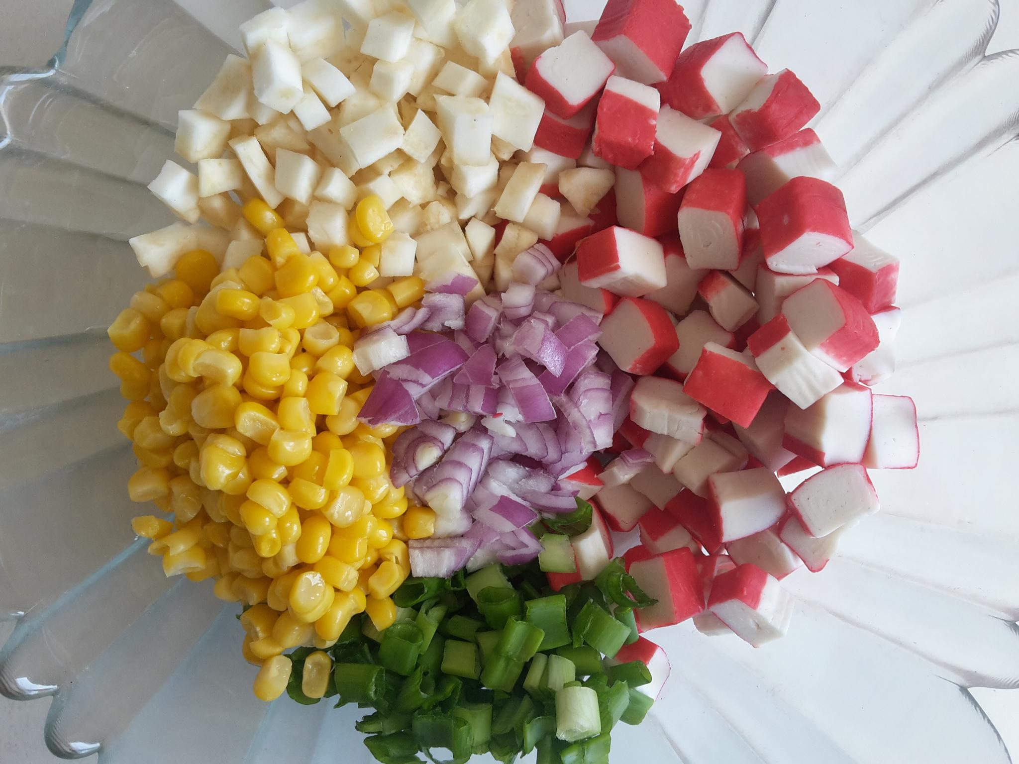 salata cu surimi si iaurt grecesc