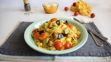 Fettuccine pasta with vegetables