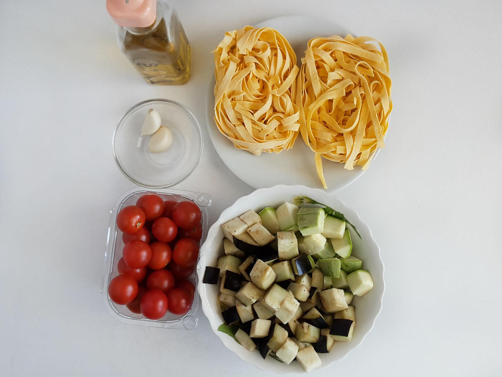 paste fettucine cu legume la tigaie
