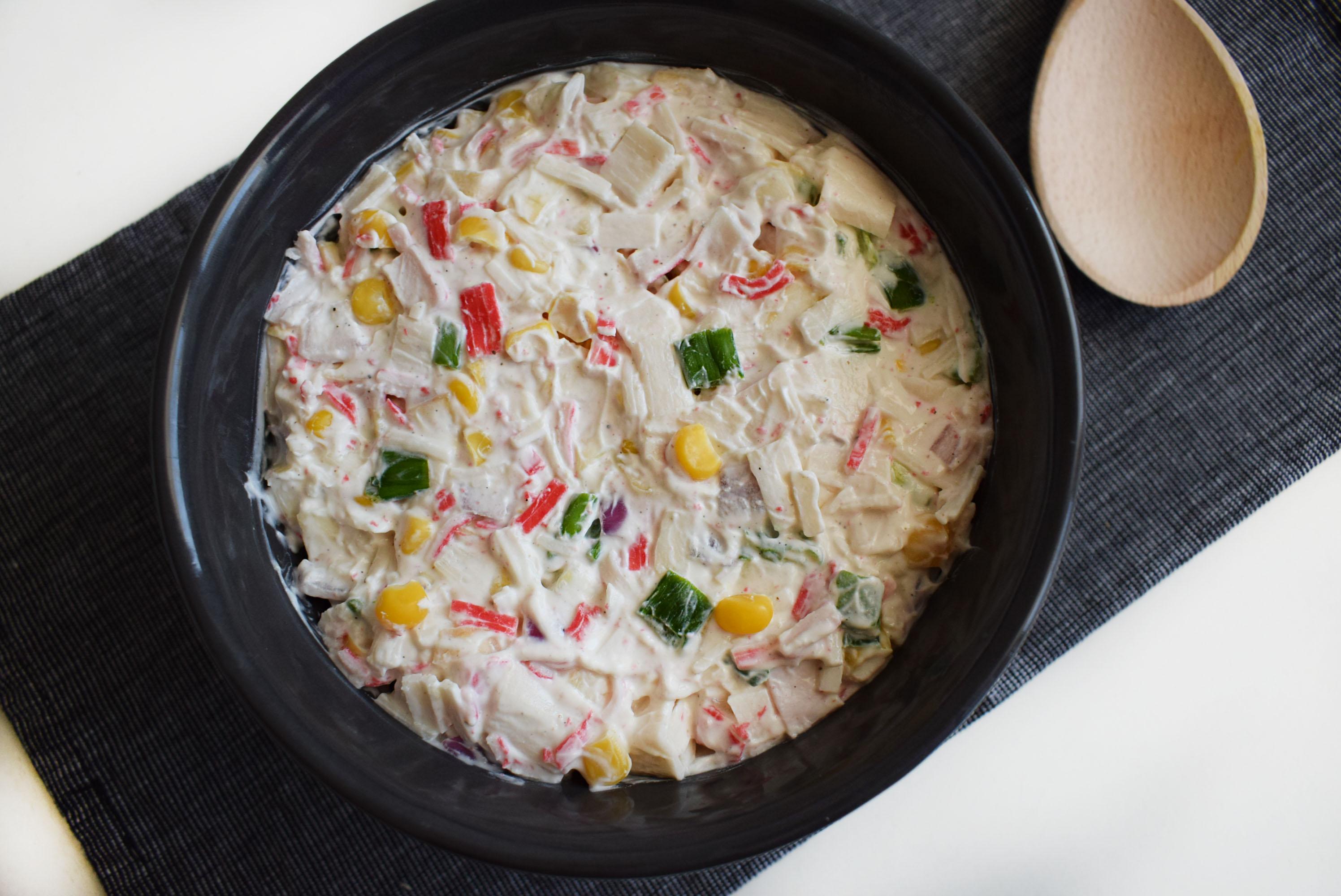 salata cu surimi si iaurt grecesc1