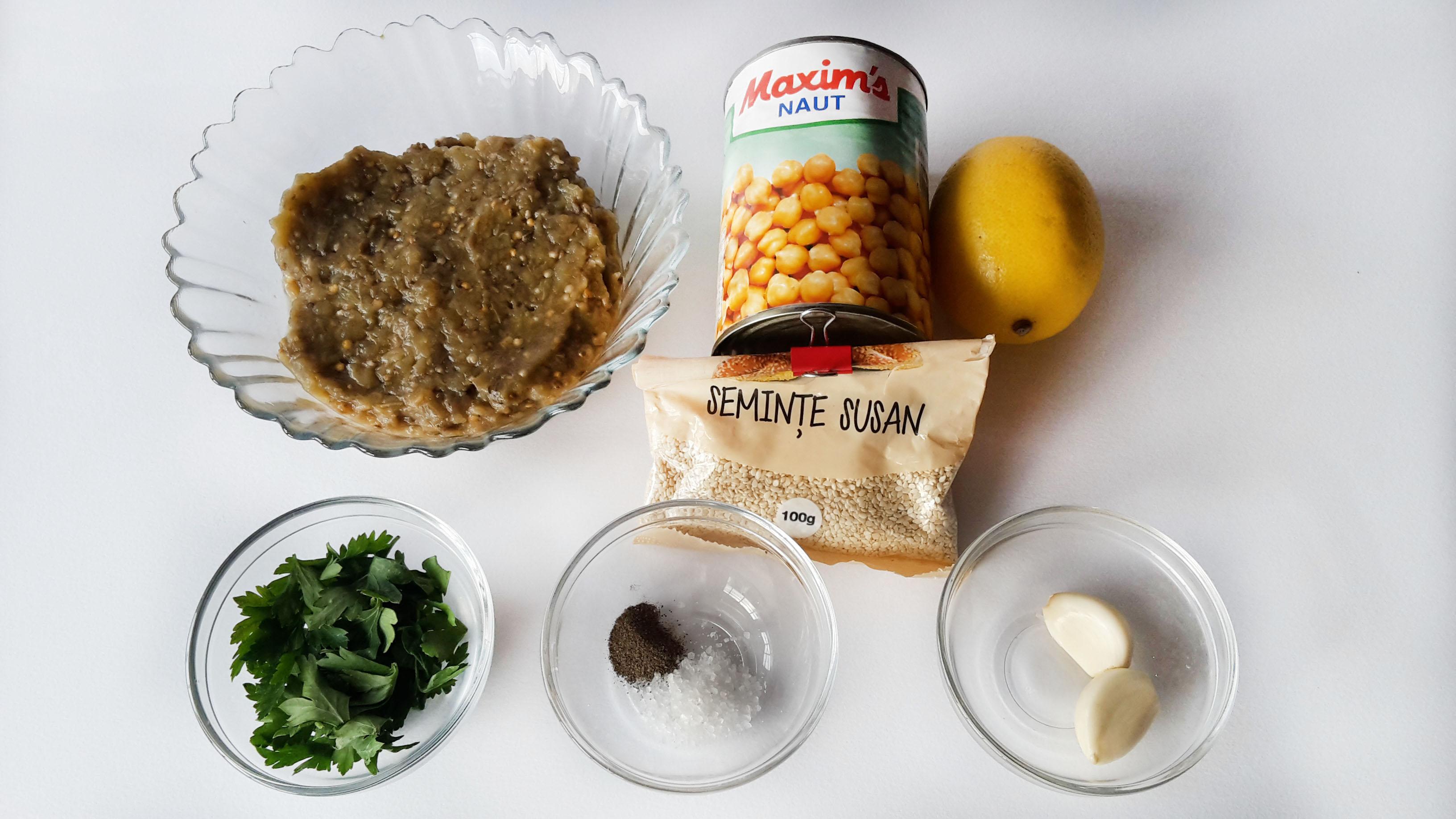 hummus cu vinete coapte