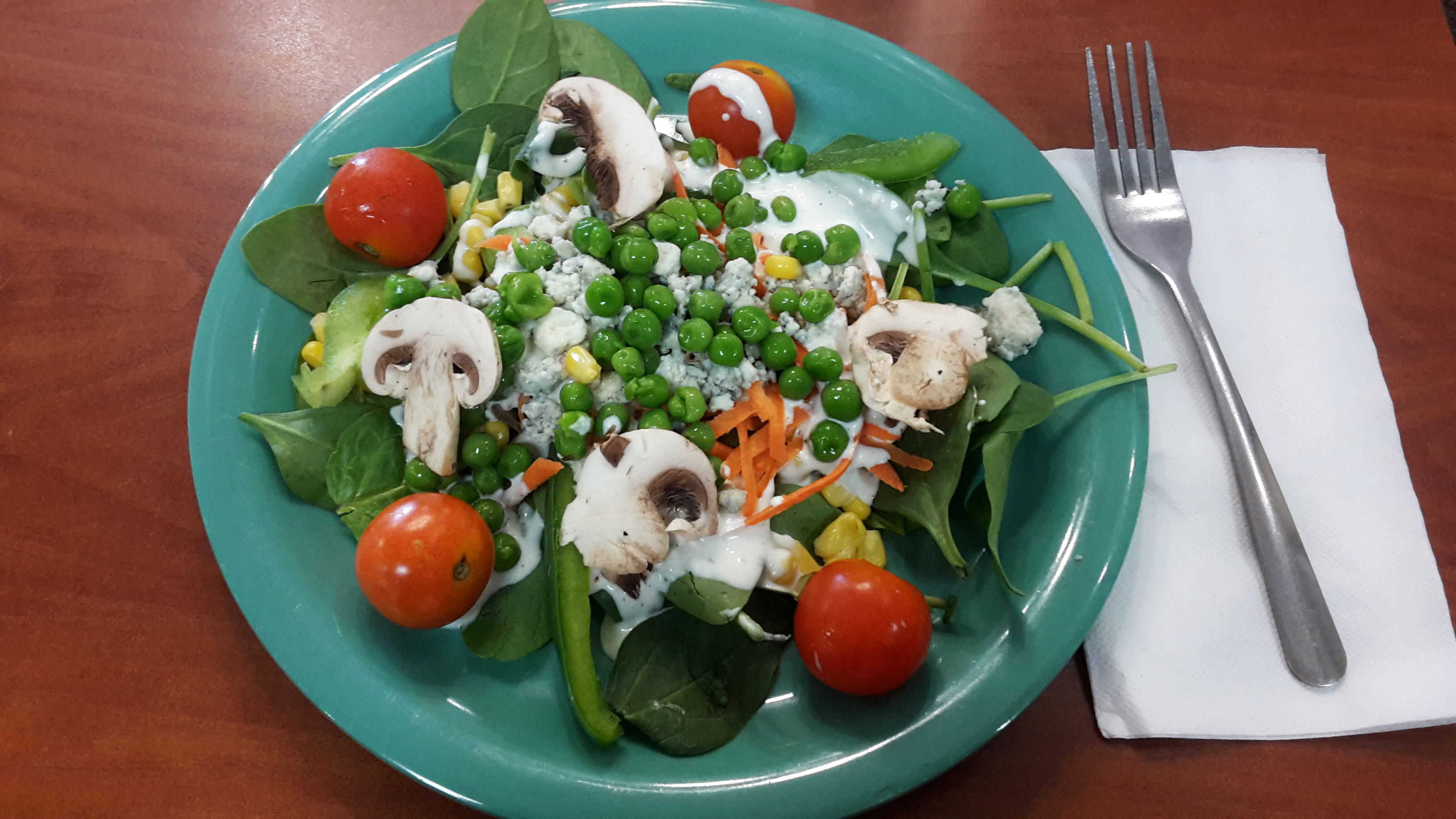 salata ciuperci rosii spanac mazare verde ardei verde morcovi