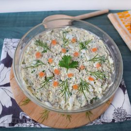 salata cu macrou afumat si iaurt grecesc2 salad with smoked mackerel and greek yogurt