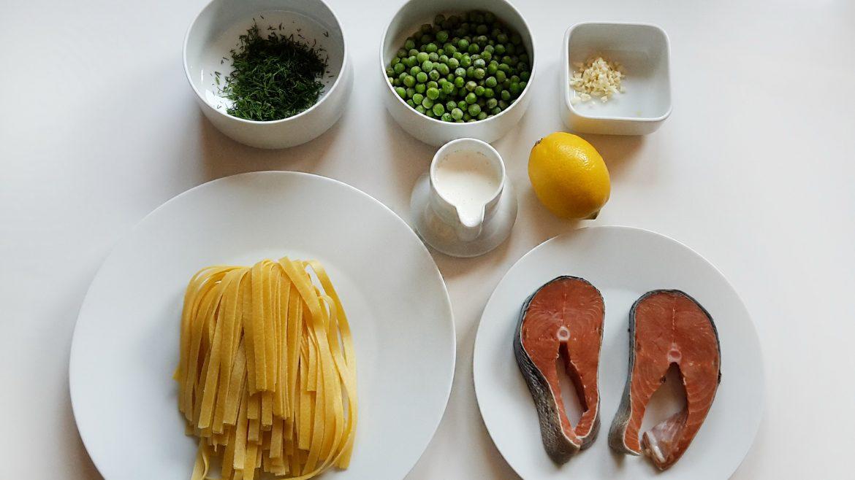 tagliatele cu somon si mazare verde - foodieopedia - tagliatele with salmon