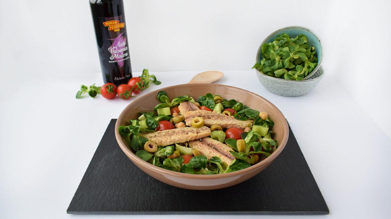 salata cu valeriana, filete de macrou, naut