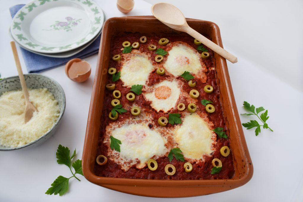 shakshuka - oua in sos de rosii