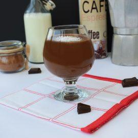 shake cu cafea si unt de arahide