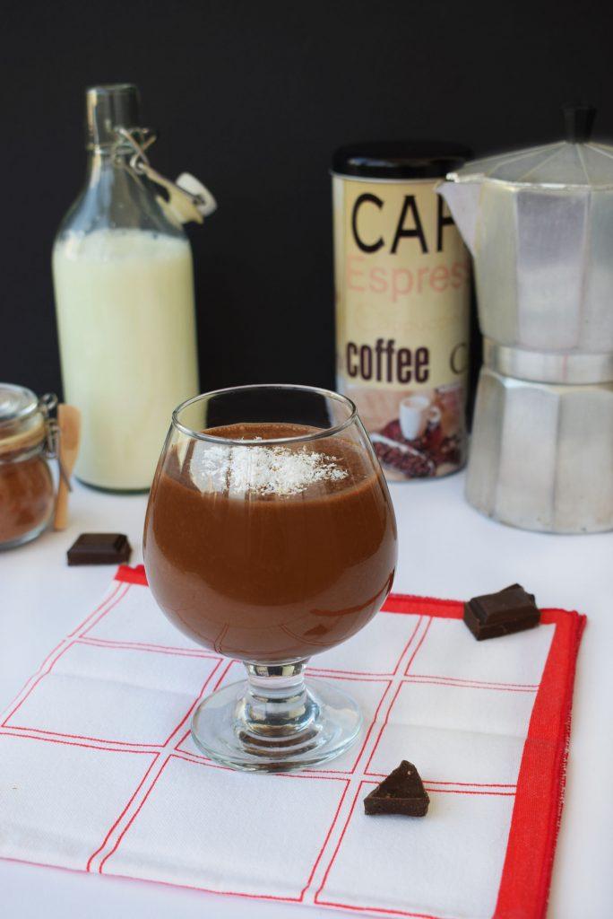 shake cu cafea si unt de arahide a