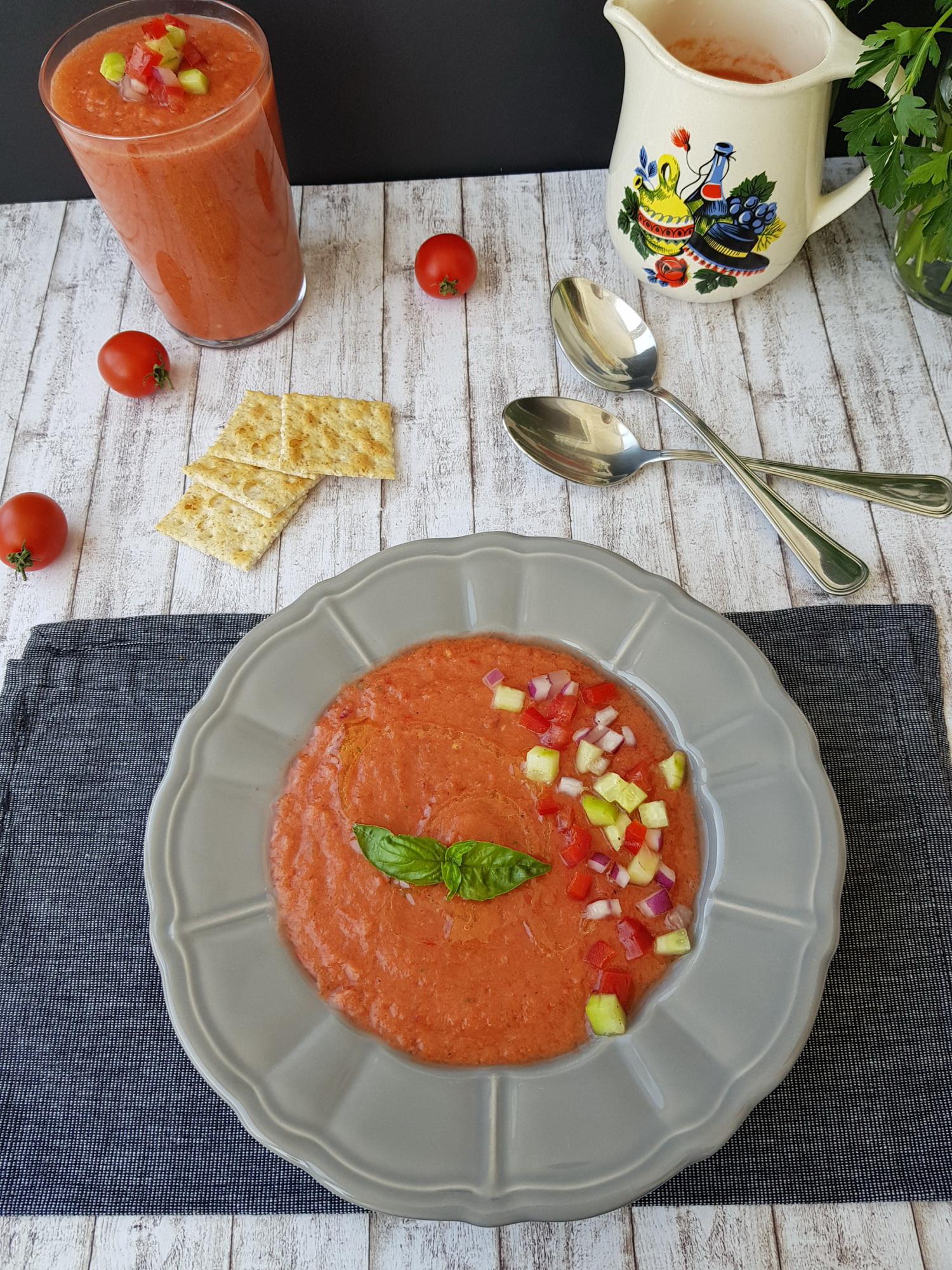 1 gazpacho supa rece de roșii foodieopedia
