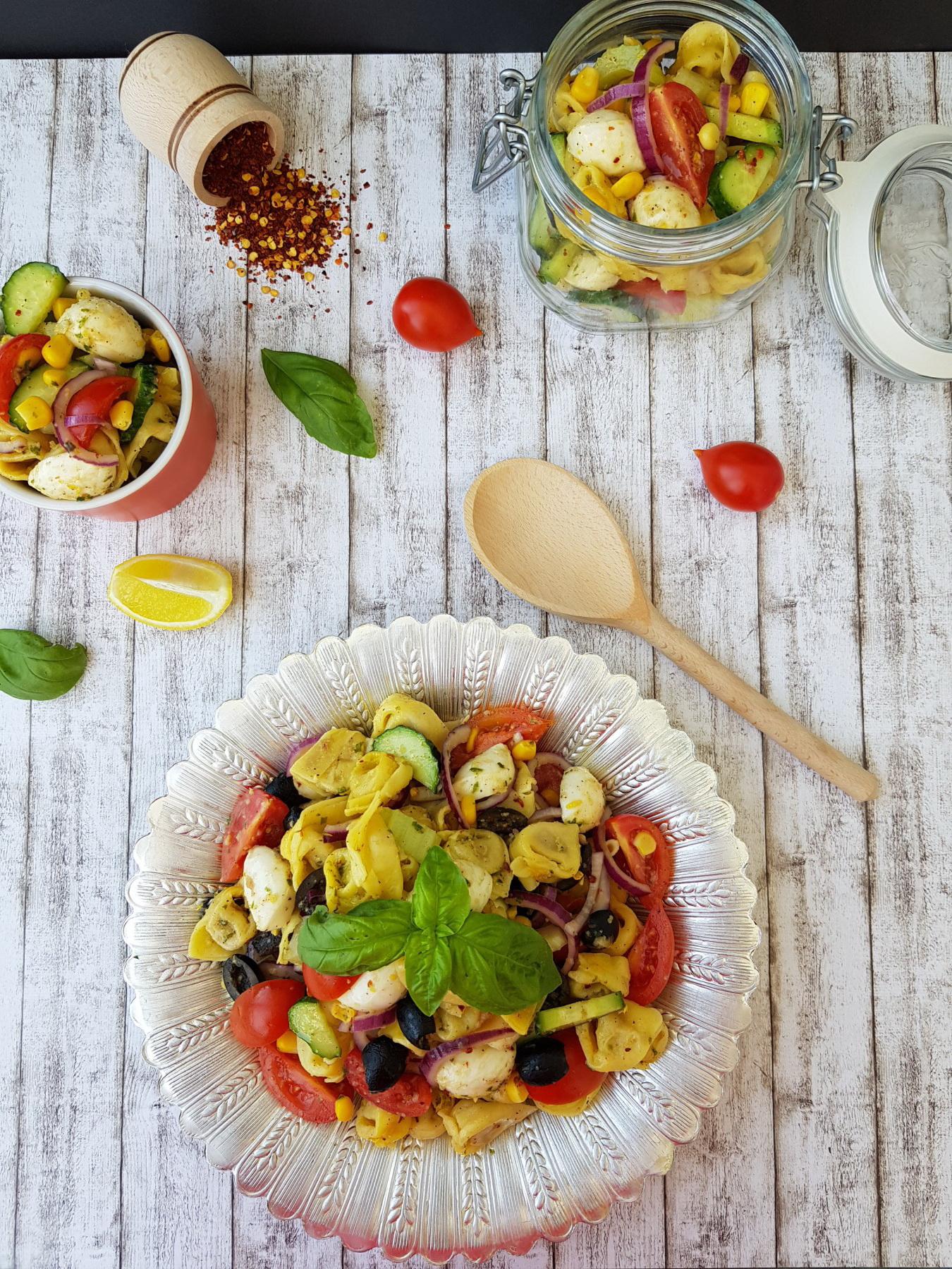 salata rece cu tortellini - foodieopedia