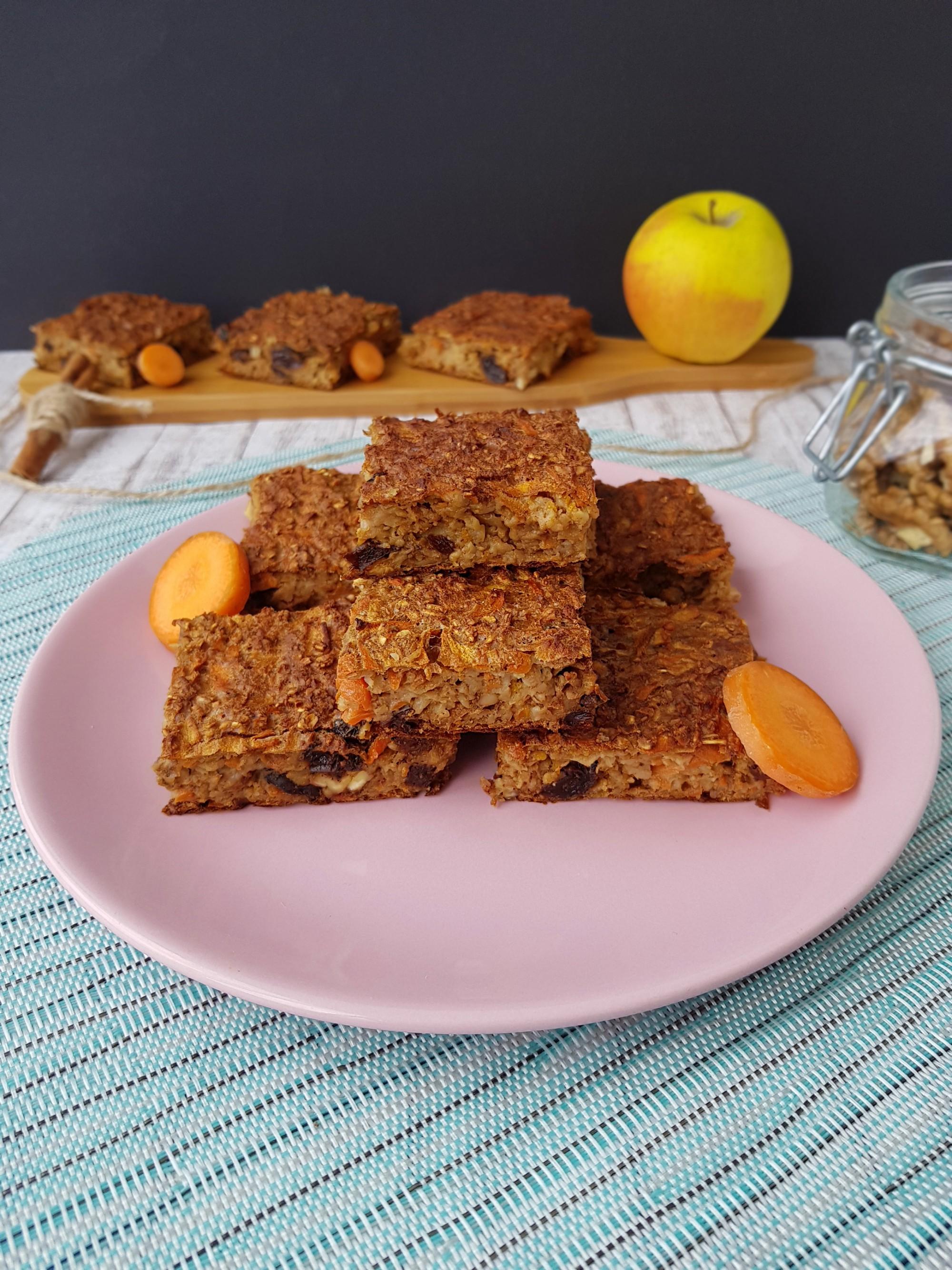 prajitura carrot cake cu fulgi de ovaz