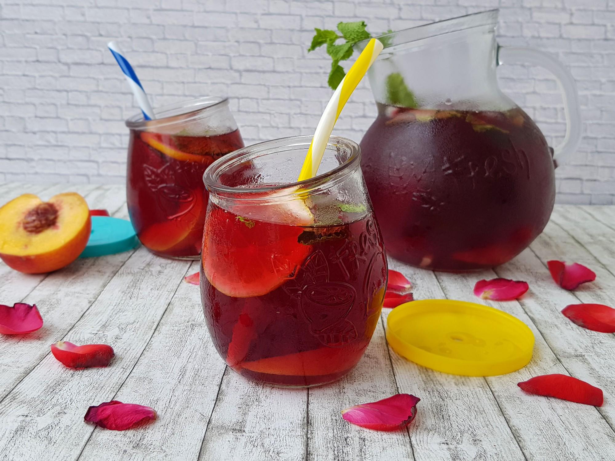 1. ceai rece din fructe de padure - foodieopedia
