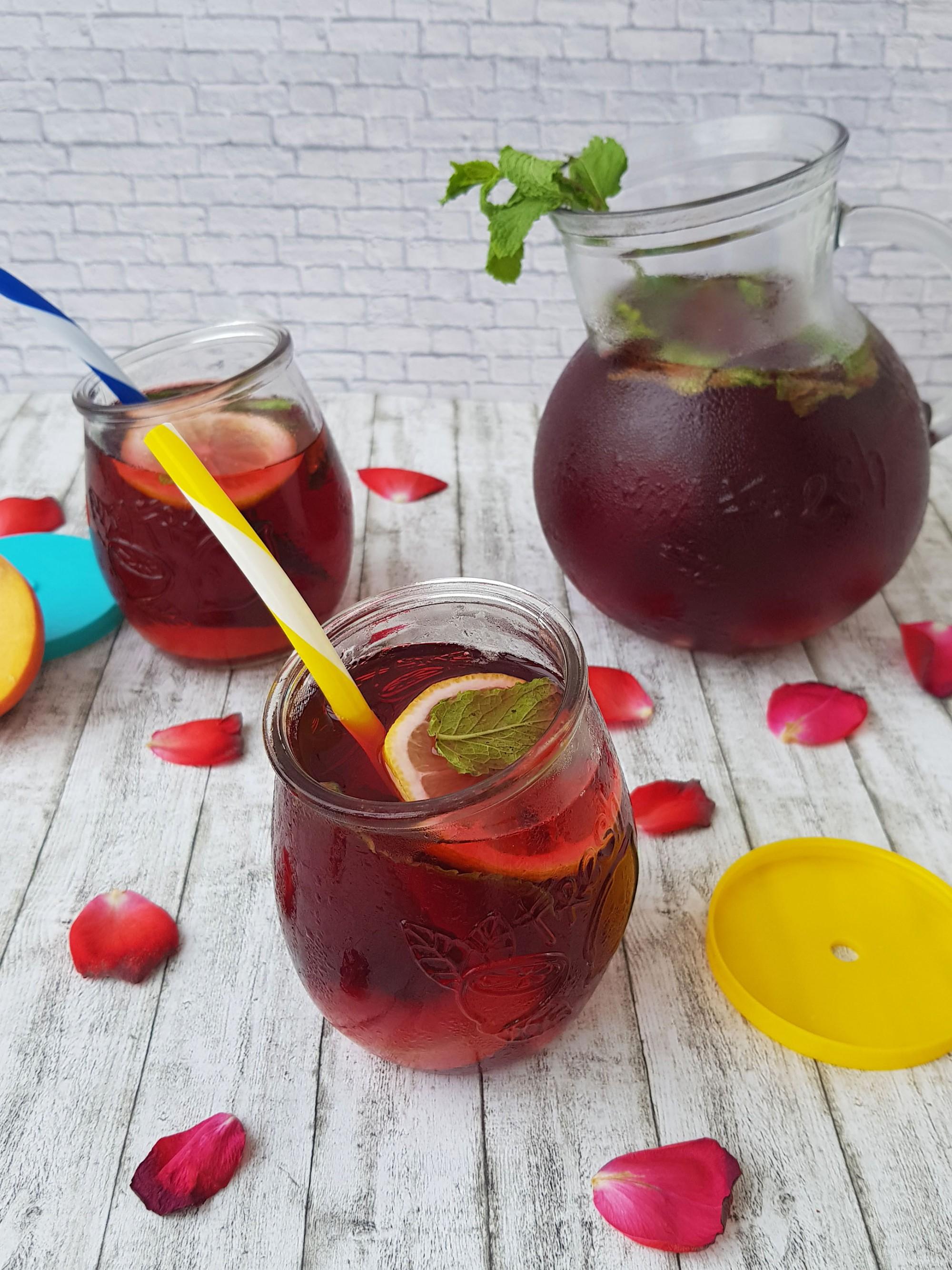 3. ceai rece din fructe de padure - foodieopedia