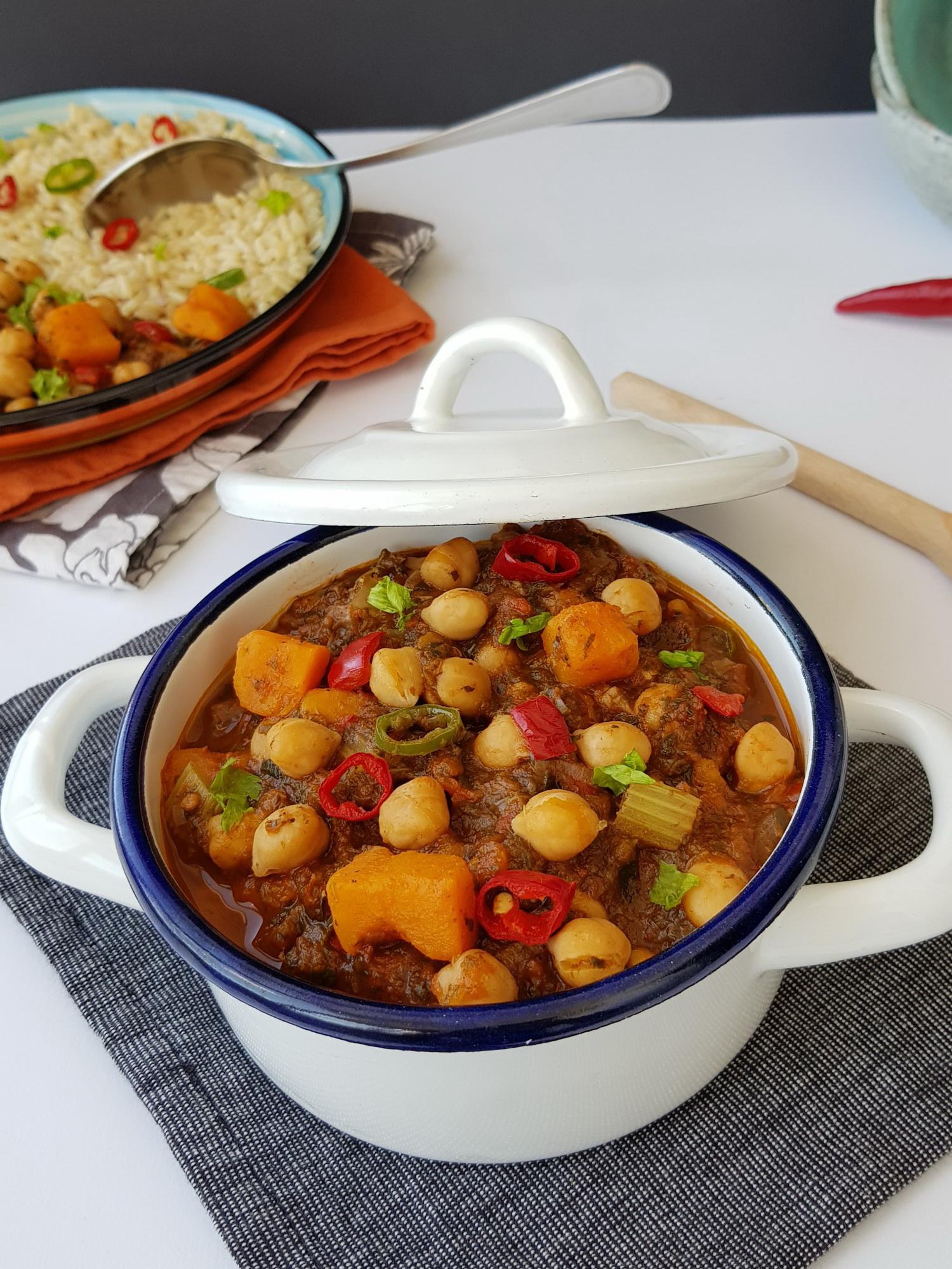 tocanita cu naut si cartof dulce-foodieopedia