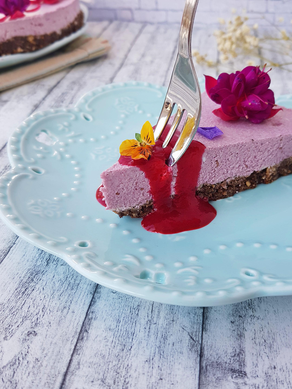 raw cheesecake cu zmeura - foodieopedia
