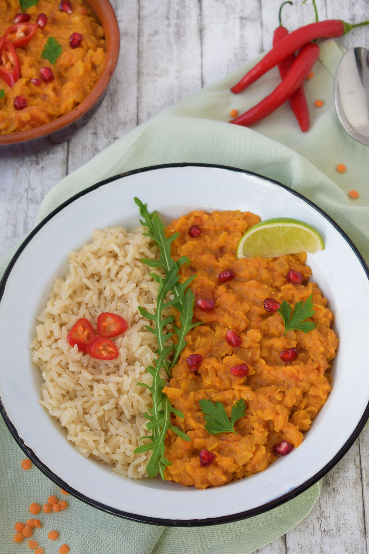 Dhal indian cu linte rosie si crema de cocos