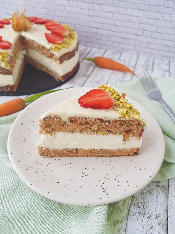 carrot cake cu ananas și fistic