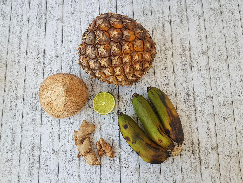 smoothie cu ananas, cocos si turmeric