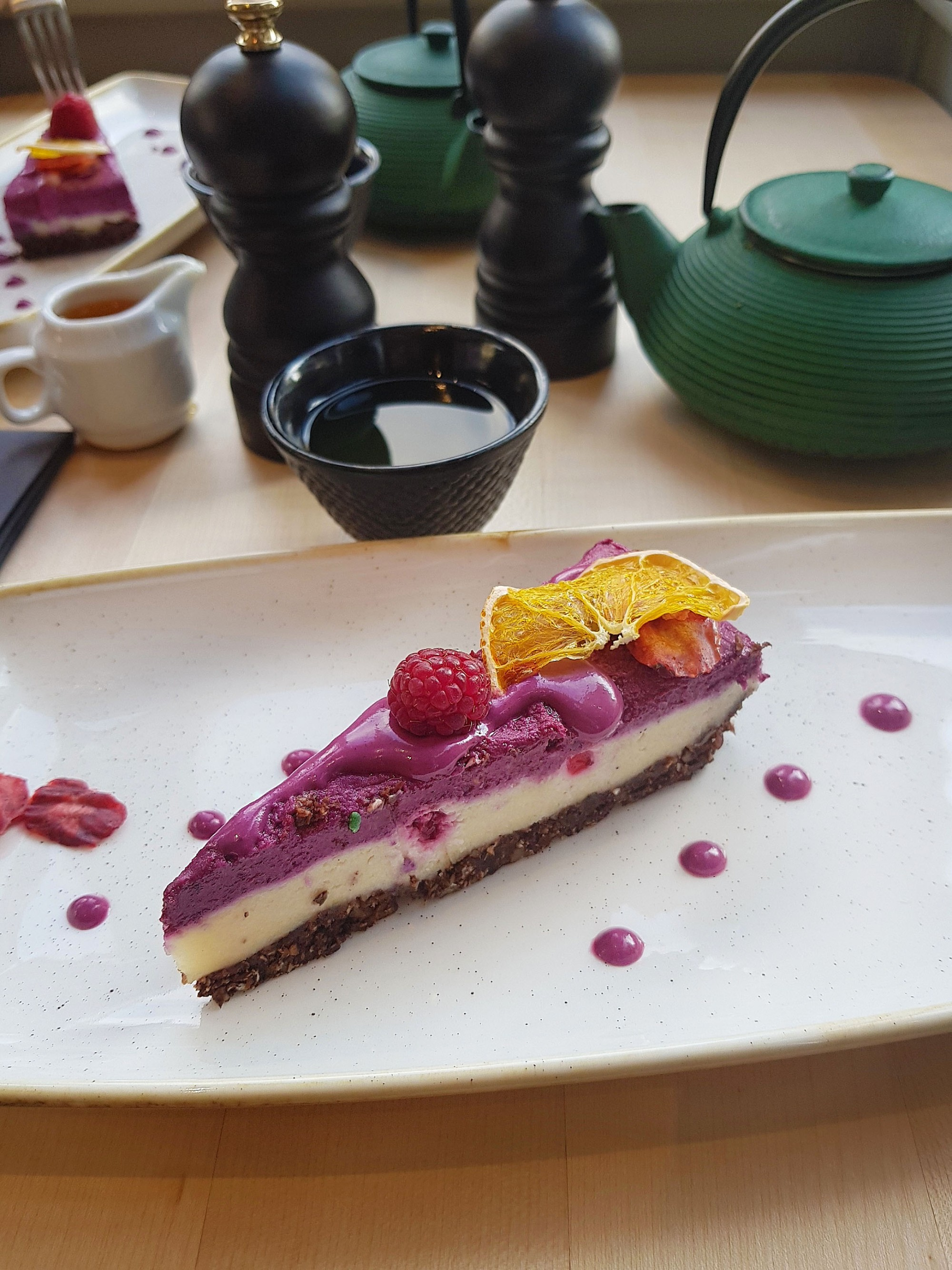 samsara - raw cake cu fructe de padure