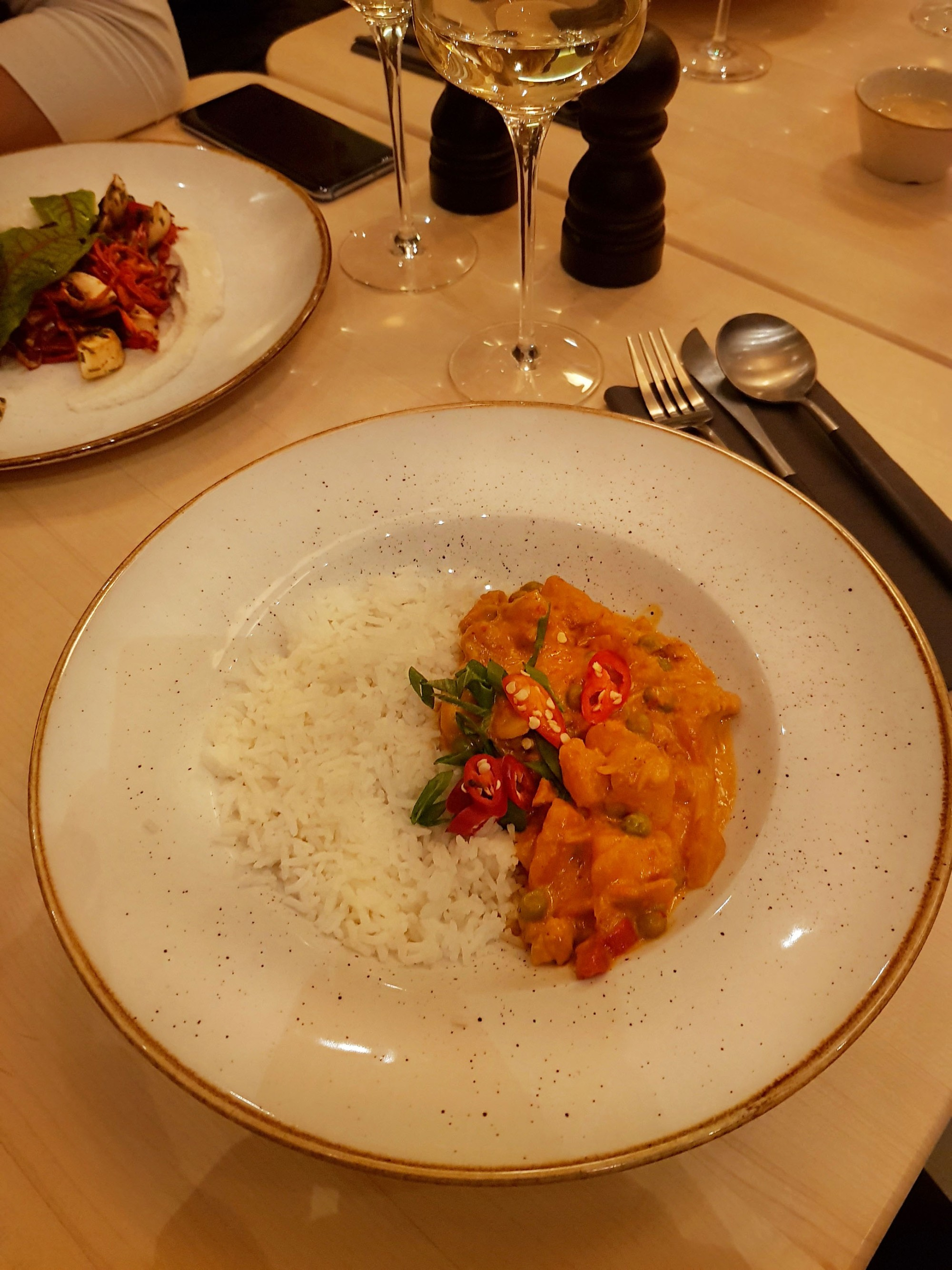 Samsara Foodhouse - red thai coconut curry