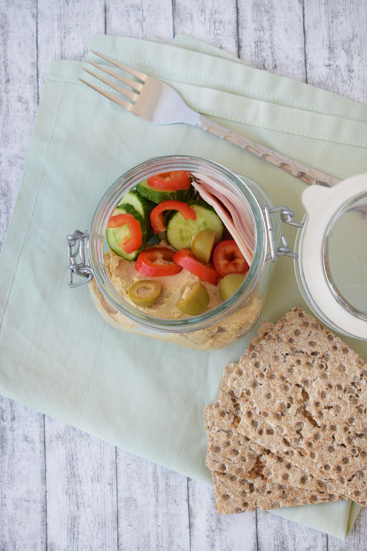 hummus, sunca de curcan, legume