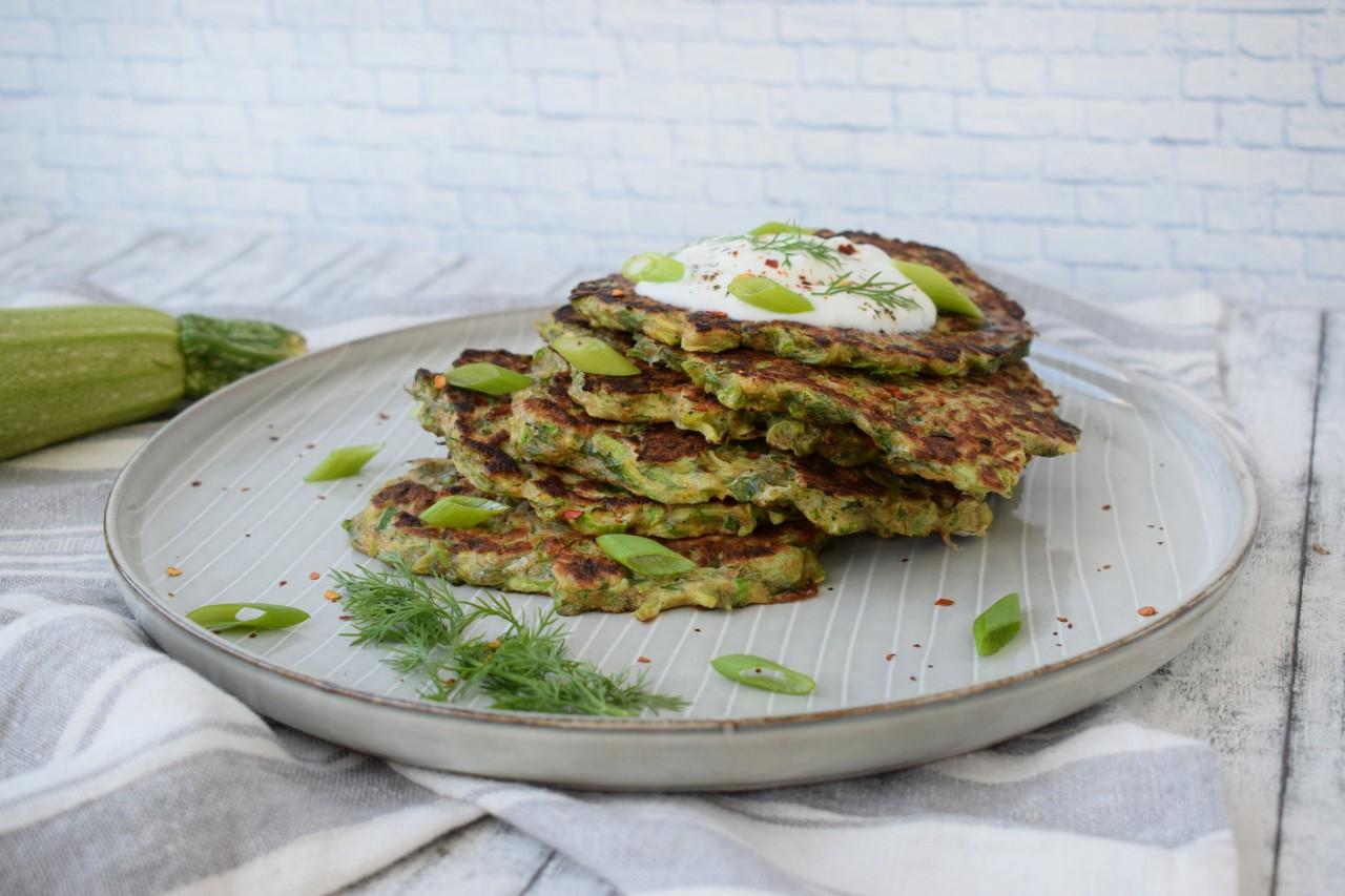 Pancakes cu dovlecel si parmezan - foodieopedia.ro