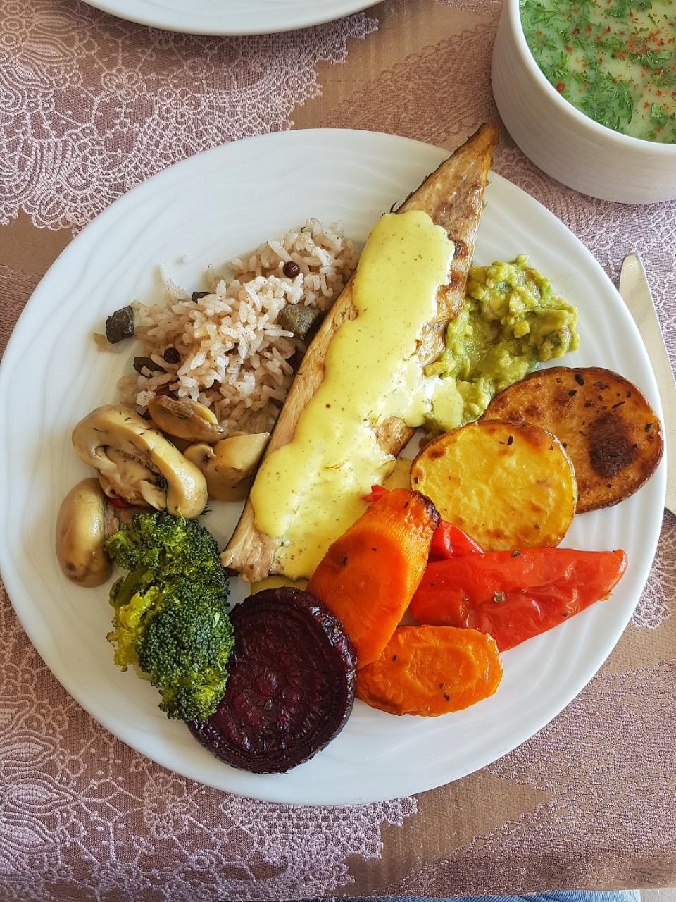 cina - macrou cu legume