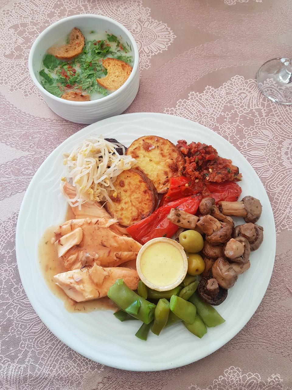 cina - somon cu legume