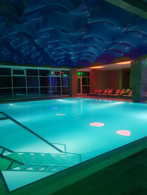 piscina interioară - sheerwood exclusive lara