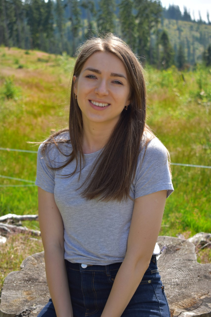 Salutare, eu sunt Nicoleta! Acest blog este despre mâncare simplă, despre o stare de bine și despre un stil de viață echilibrat.