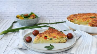 Omleta spaniola cu cascaval afumat