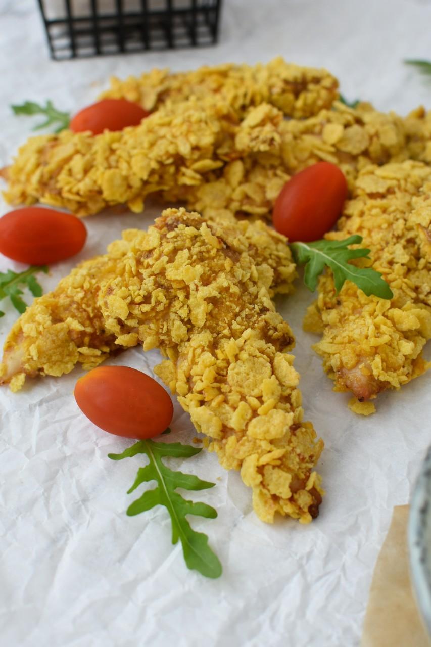 Pui in crusta de fulgi de porumb - foodieopedia.ro