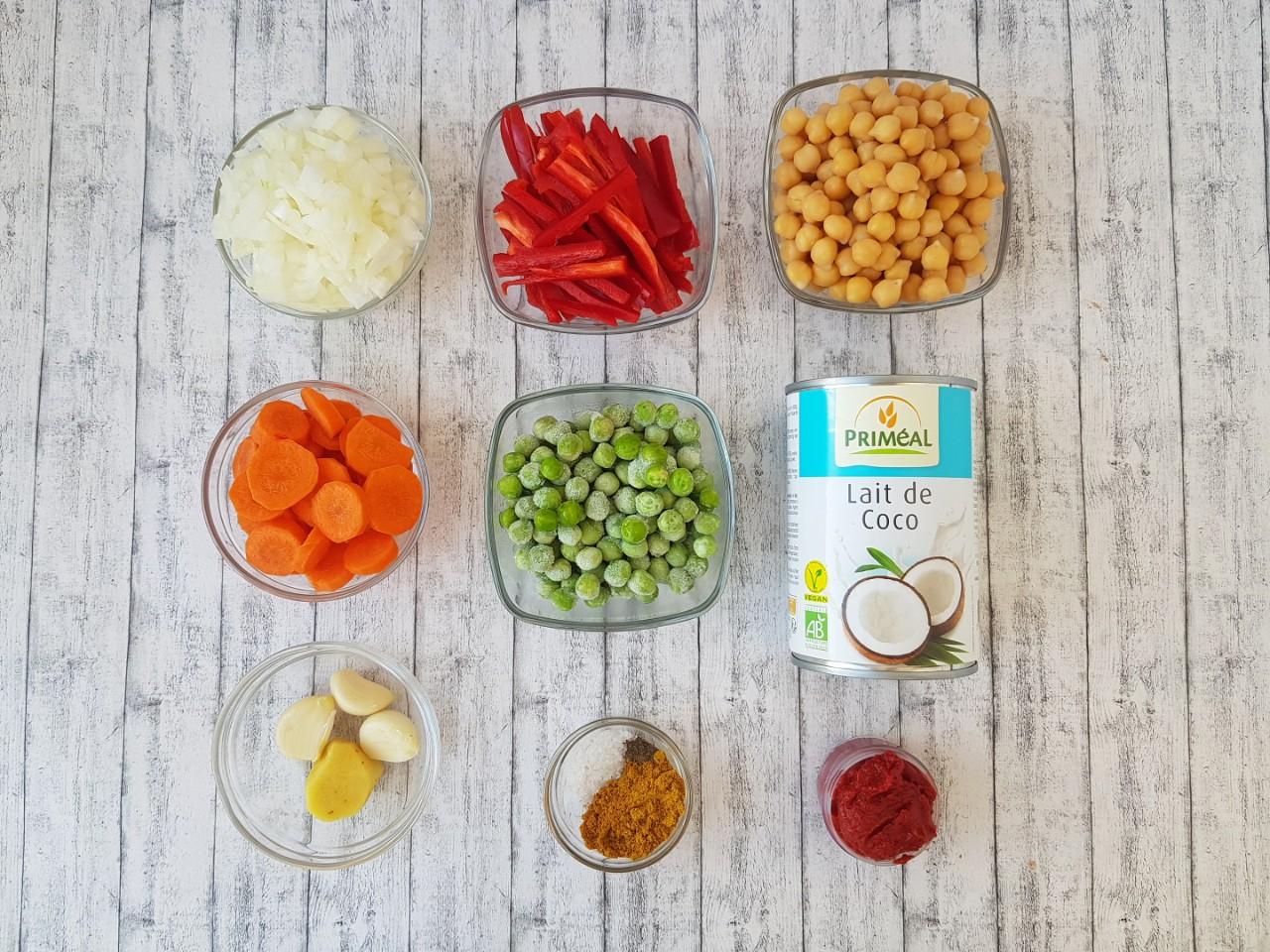 Curry cu naut si lapte de cocos - foodieopedia.ro