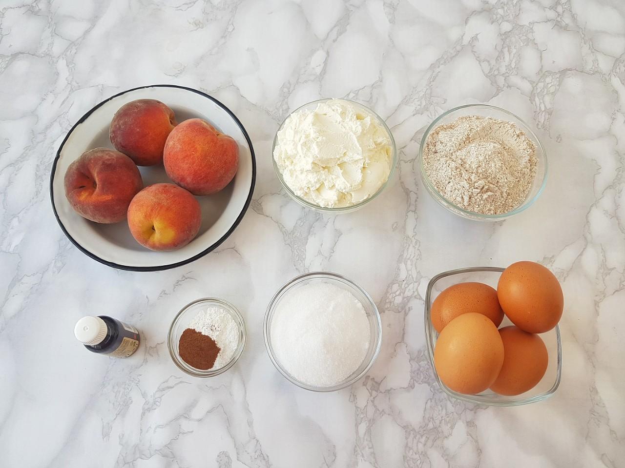 Prajitura cu piersici - foodieopedia