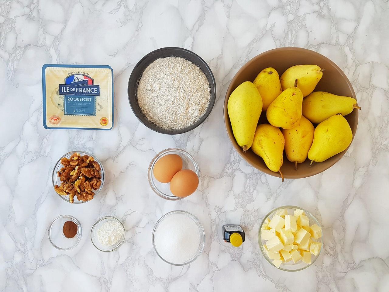 Tarta cu pere, nuca si roquefort - foodieopedia